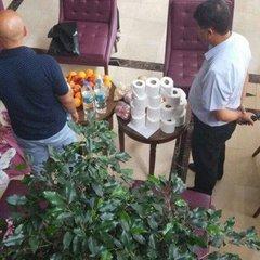 З'явилося фото російських туристів, які намагалися вкрасти туалетний папір з готелю в Туреччині