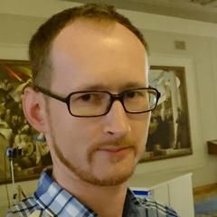 У Києві чоловік написав заяву до поліції, бо його не пустили в Оперний театр у шортах
