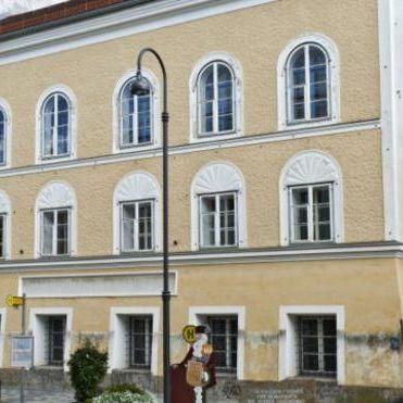 Суд конфіскував будинок, де з'явився на світ Гітлер