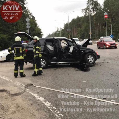 У Києві через зливу сталась смертельна ДТП (фото)