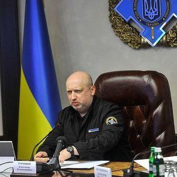 Турчинов: У нас не має бути безхатніх офіцерів, які не впевнені у своєму завтрашньому дні