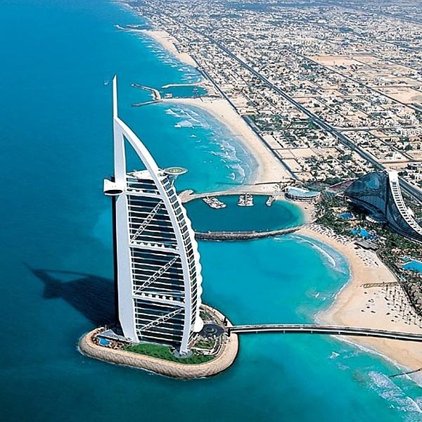 У Дубаї створили окрему службу «швидкої» для жінок