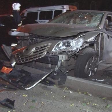 У центрі Одеси підірвали автомобіль (фото)