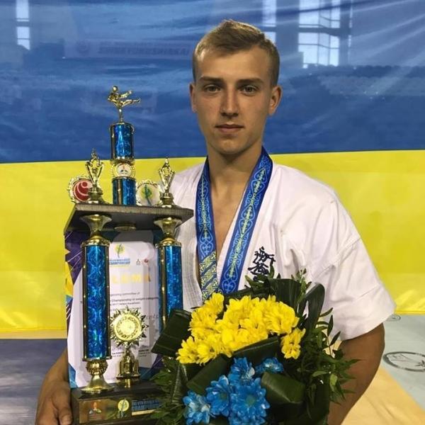 Українець став бронзовим призером ЧС з кіокушинкай карате