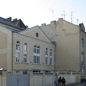 У головну львівську синагогу кинули коктейль Молотова