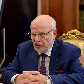 Голова Ради з прав людини РФ закликав ректора Московської юридичної академії прибрати меморіальну дошку Сталіну