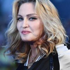 Мадонна опублікувала фото без макіяжу