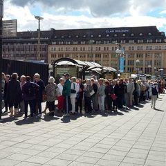 У Фінляндії сотні пенсіонерів 70+ вишикувались у чергу за безкоштовними квитками на рок-фестиваль