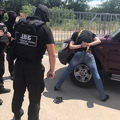 В Одесі затримали поліцейського, який вимагав хабар за повернення документів на автівку