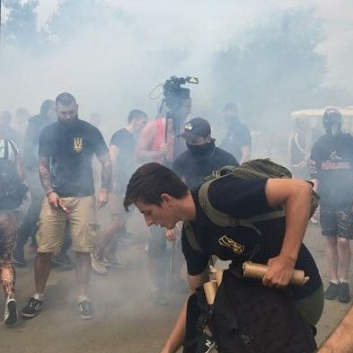 Масштабна бійка в Одесі: в хід пішли димові шашки