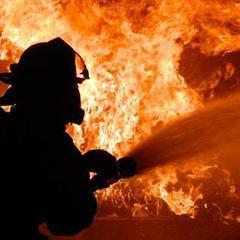 В Лос-Анджелесі через пожежу на електростанції без світла залишилось 140 тисяч чоловік