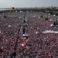 У Стамбулі сотні тисяч людей вийшли на мітинг проти влади