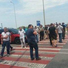 Півтисячі учасників АТО перекрили трасу Київ-Чоп