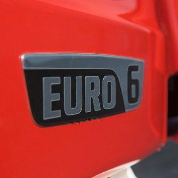 Порошенко відстрочив стандарт Євро-6 на два роки