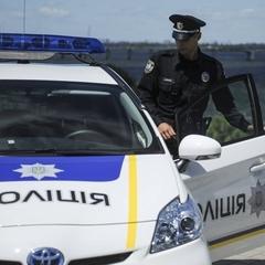 В Києві автомобіль збив лейтенанта національної поліції (відео)