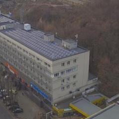 На даху будинку на Подолі встановили сонячну електростанцію на 88 кВт (відео)
