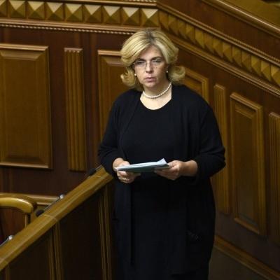 Богомолець госпіталізували прямо із парламенту через втрату свідомості  (фото)