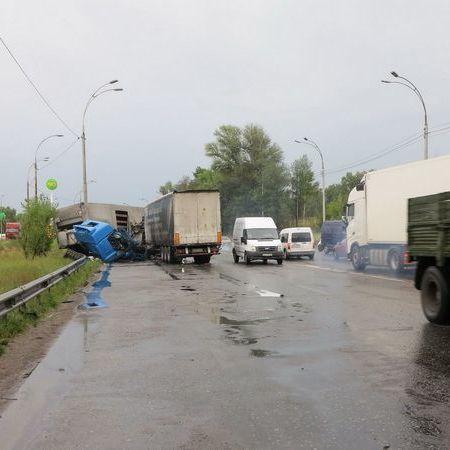 В Києві сталася ДТП за участі п'яти автомобілів (фото)