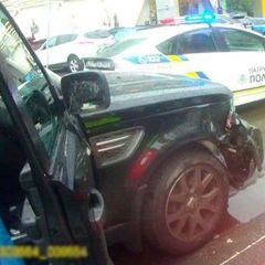 У Києві п'яна жінка після скоєної ДТП плювалася, билася та порвала протокол – поліція