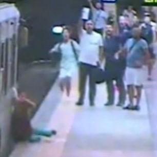 В Римі метро протягнуло жінку через усю платформу