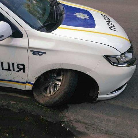 Перше ДТП із новим Mitsubishi поліцейських сталося у Кам'янському (фото)