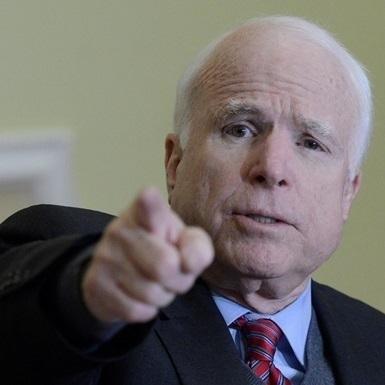 Маккейн закликав посилити тиск на Путіна і припинити народження його малоросій