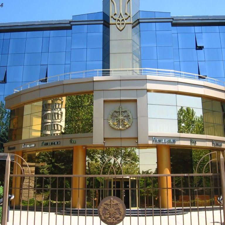 В Одесі суддю облили зеленкою: вона опинилася в лікарні