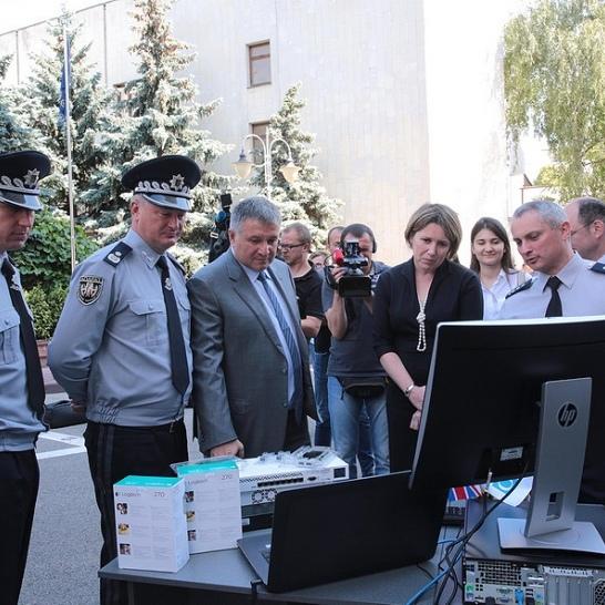 Поліція отримала спецобладнання для протидії кіберзагрозам (фото)