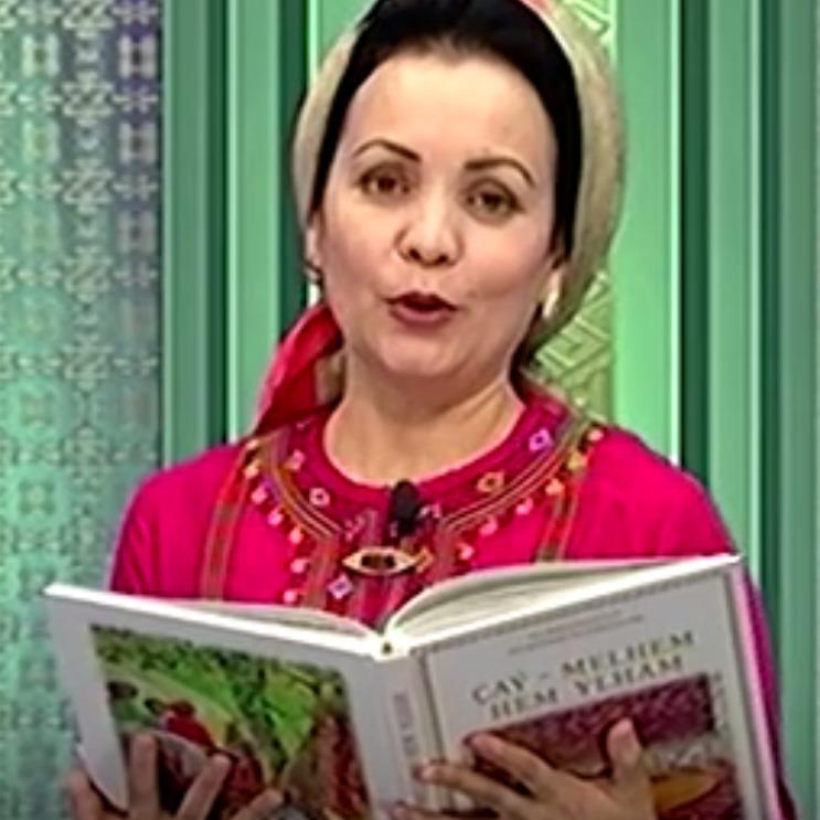 У Туркменістані книги президента почали вголос читати по ТБ (відео)