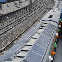 В Індії курсує потяг із сонячними батареями