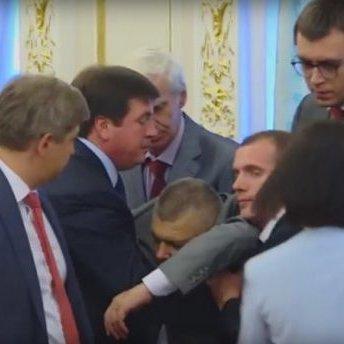 Стало відомо чому знепритомнів голова Державної прикордонної служби під час зустрічі президентів України та Білорусі