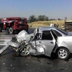 На Запоріжжі авто протаранило маршрутку, повну пасажирів: є багато постраждалих і загиблий