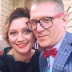 Українська акторка сукнею закликала звільнити Олега Сенцова: опубліковані фото