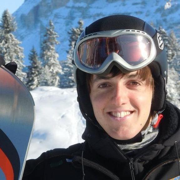 Мати італійського студента, який загинув в горах, захистила диплом замість сина