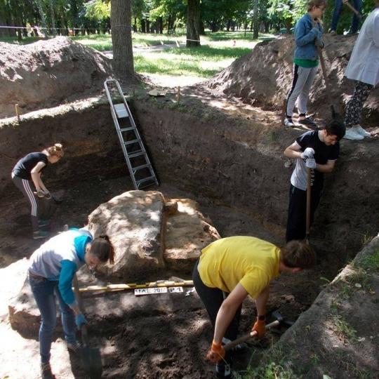 У Чернігові знайшли унікальну піч часів Київської Русі (фото)