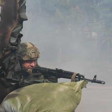 Проросійські бойовики у понеділок 4 рази порушили перемир'я, - штаб АТО