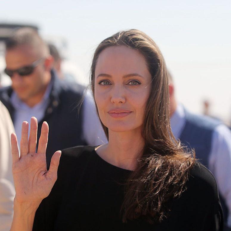 Анджеліна Джолі хоче народити дитину від свого нового коханого