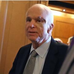Сенатори зустрічали Маккейна після операції гучними оплесками (відео)