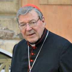 Скарбник Ватикану постав перед судом Мельбурна за звинуваченнями в сексуальних злочинах