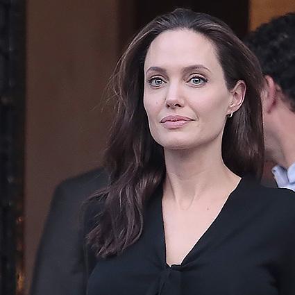 Джолі пережила параліч лицьового нерву