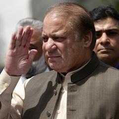 Прем'єр Пакистану подав у відставку після рішення суду про його відсторонення