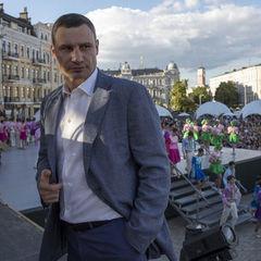 У постраждалому від вибуху будинку в Києві відновили постачання води, газу й електрики – Кличко