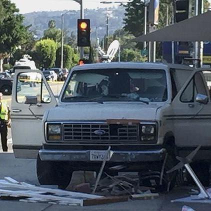 У Лос-Анджелесі зросла кількість постраждалих унаслідок наїзду на натовп (відео)