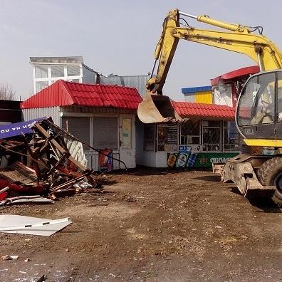 У Києві знесли ресторан разом із відвідувачами