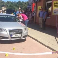 В Івано-Франківську розстріляли автомобіль, постраждалого госпіталізували