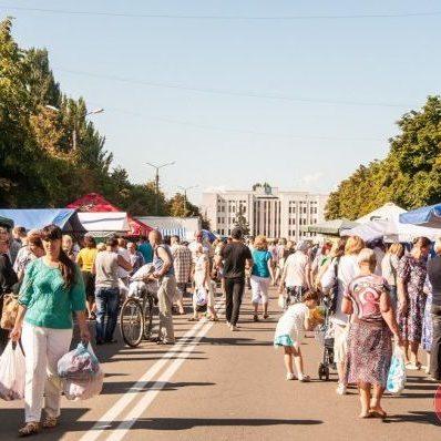 У Києві через спеку до 6 серпня відмінили усі продуктові ярмарки