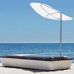 Розкішний шезлонг за більш ніж 50 тис. євро став головною «пам'яткою» пляжу Blue Marlin на Ібіці