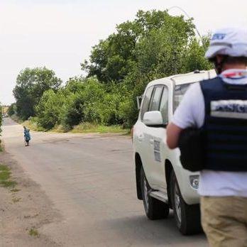 У СММ ОБСЄ повідомили, що бойовики «ДНР» протягом 7,5 години утримували водія та обладнання місії