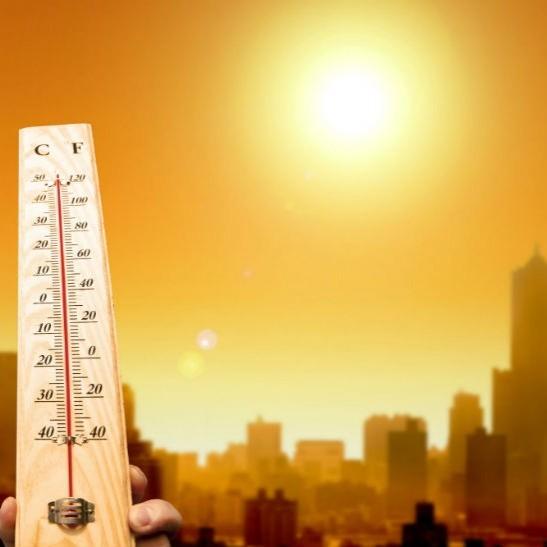 Синоптик розповіла, в яких областях спека спаде вже в неділю