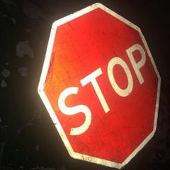 «Дайте дорогу»: вночі у Берегові гуляв чоловік із викраденим дорожнім знаком в руках